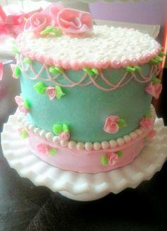 Shabby chic smash cake