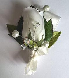 wedding boutonniere by Weddingcraftlife on Etsy Wedding Boutonniere, Boutonnieres, Pearl Earrings, Brooch, Pearls, Etsy, Jewelry, Pearl Studs, Jewlery