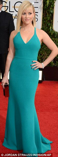 Reese Witherspoon in Calvin Klein at 71st Golden Globes Awards. Despite this is my personal favorite color (of the lifetime *biased*), I expect Witherspoon would wear an extra jewelry. The dress is so simple! For Golden Globes Red Carpet it needs an extra kick!