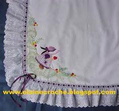 mantas de bebe bordadas - Bing Imagens Drawstring Backpack, Backpacks, Baby Quilts, Baby Art Crafts, Diapers, Embroidered Baby Blankets, Manualidades, Roses, T Shirts