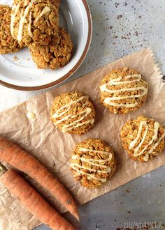 Carrot Cake Cookies with oat flakes and orange I Love Food, Good Food, Yummy Food, Healthy Cake, Healthy Sweets, Sweet Recipes, Vegan Recipes, Cooking Recipes, Food Inspiration