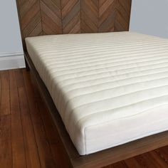 A New Standard in Latex Mattresses Made of 100% Natural Latex Foam, 100% Organic Cotton and Organic New Zealand Wool this mattress marks a new standard in Latex Mattresses. Our design team carefully c