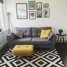35 Super Ideas For Living Room Grey Couch Yellow Bedrooms - - Living Room Grey, Living Room Sofa, Home Living Room, Interior Design Living Room, Living Room Designs, Living Room Decor, Kitchen Interior, Grey And Yellow Living Room, Living Room Inspiration