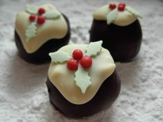 Infusing the two Christmas greats, Christmas pudding and Chocolate into an amazing truffle! Click - http://www.justrufs.com/shop/blog/christmas-pudding-chocolate-truffles/, for the recipe