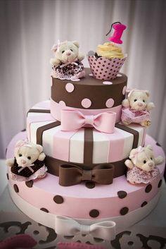 Bolo cenográfico feito em eva, super leve, acabamento perfeito!!! Ideal para decorar festas infantis, chá de bebê, batizado... Fazemos na cor que for preciso.... Valor não inclui ursinhas, valor para cada uma: R$ 10,00 Cupcake e bandeja provençal não inclusos. Super prático !!! R$ 99,90 Baby Cakes, Baby Shower Cakes, Girly Cakes, Cupcake Cakes, Cupcakes, Pretty Cakes, Beautiful Cakes, Amazing Cakes, Torta Angel