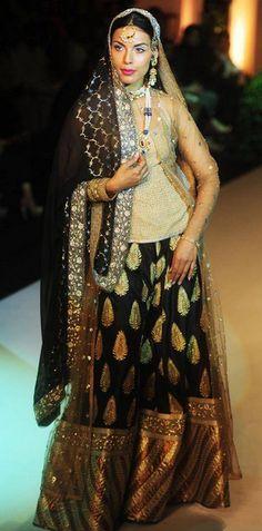 Scarlet Bindi - South Asian Fashion: India Bridal Fashion Week 2013, Day 2: Jyotsna Tiwari & Meera and Muzaffar Ali