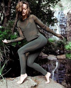 1d0564b54f91b 18 Best Alo Yoga || Airbrush images | Exercises, High waist, Yoga ...