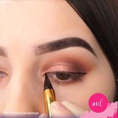"So pretty! ✨😍 History of eye makeup ""Eye care"", in other words, ""eye make-up"" has Makeup Eye Looks, Eye Makeup Steps, Beautiful Eye Makeup, Smokey Eye Makeup, Eyebrow Makeup, Skin Makeup, Eyeshadow Makeup, Makeup Cosmetics, Pretty Makeup"