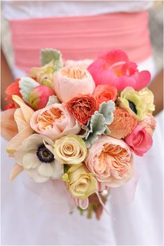 Now this is a bouquet I would carry down the aisle.  Colorful, beautiful, elegant.