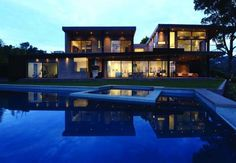 Mandeville Canyon Residence by Griffin Enright Architects - http://www.decorationarch.com/architecture-ideas/mandeville-canyon-residence-by-griffin-enright-architects.html