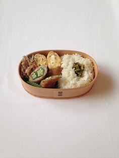 ごぼうとキヌアの梅サラダ・じゃこ入り玉子焼き・オクラの豚肉巻き照り焼き・白ご飯・高菜漬け