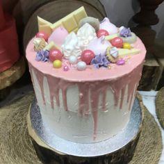 dripp de chocolate en rosa