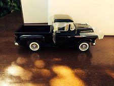 Danbury Mint 1957 Chevrolet Stepside Pickup Limited Edition 1:24 Diecast