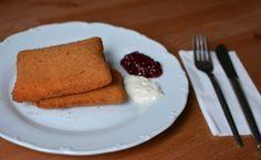 Online Essen bestellen: Gebackener Emmentaler mit Sauce Tartare und Preiselbeeren (vegetarisch). Bestellt beim Schnitz'l Land Lieferservice über mjam.at