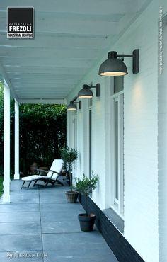 Frezoli Industrial Lighting | Raz lamp for outdoors 816