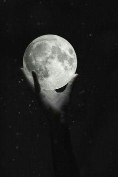 Nici aici......Mă culc, my love ♡ Nu sunt deloc cea care îți doreai să fiu în seara asta. Îmi pare rău.  :(  Te iubesc și asta contează. Good night my love ♡