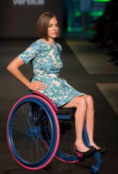 Wheelchairs, Young Women, Beautiful Women, Legs, Girls, People, Beauty, Fashion, Female Fighter