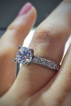 How To Find The Perfect Engagement Ring In 9 Simple Steps