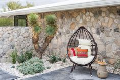 Boho Modern Front Entrance Courtyard – Decor is art