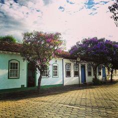 A charmosa cidade de Pirenópolis encanta a todos pela sua história, beleza e cultura. Conheça! Foto: @cerenamesquita