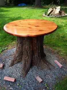 Creative Tree Stump Decorating Ideas In Landscape is part of Tree stump table You don& know do anything with tree stumps Wait! Take a look at these amazing tree stump ideas in this article - Outdoor Trees, Outdoor Gardens, Outdoor Decor, Garden Trees, Garden Art, Cut Garden, Garden Table, Tree Trunk Table, Garden Projects