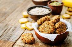 2 Points Healthy Banana Cookies Recipe Desserts with bananas, rolled oats, dates, vegetable oil, vanilla extract Oat Chocolate Chip Cookies, Banana Oat Cookies, Banana Oats, Protein Cookies, Chocolate Chips, Ww Desserts, Weight Watchers Desserts, Diabetic Desserts, Diabetic Recipes