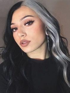 Hair Color Streaks, Hair Color Blue, Hair Highlights, Edgy Hair Colors, Black And Blonde Highlights, Lip Colors, Silver Highlights, Split Dyed Hair, Half Dyed Hair