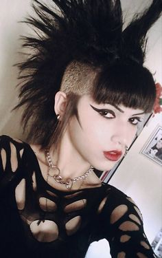 Women S Fashion South Yarra Code: 9480590298 Punk Rock Hair, Punk Rock Girls, Punk Rock Fashion, Gothic Fashion, Modern Goth, Goth Women, Skinhead, Rock Outfits, Punk Goth