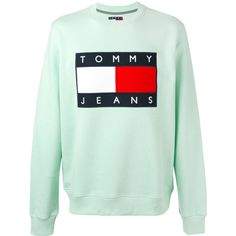 Tommy Hilfiger classic logo printed sweatshirt (400 BRL) ❤ liked on Polyvore featuring men's fashion, men's clothing, men's hoodies, men's sweatshirts, green and mens green sweatshirt