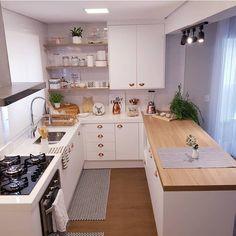 ▪️Mais um ângulo dessa lindeza de cozinha! Só suspiros!!! . . Fot Kitchen Room Design, Home Room Design, Modern Kitchen Design, Home Decor Kitchen, Interior Design Kitchen, Kitchen Furniture, Home Kitchens, Small Modern Kitchens, Cuisines Design