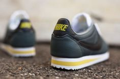 Nike Cortez Leather: Grey/Yellow/White