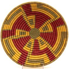 Our collection African baskets from Rwanda includes colorful sisal bowls and delicate Agaseke Peace Baskets, which are a wonderful symbol of reconciliation. African American Art, African Art, Weaving Art, Hand Weaving, Pine Needle Baskets, Rope Art, Gourd Art, Native Art, Sisal