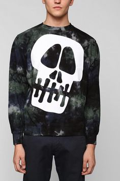 Awesome big skull sweatshirt from Stussy. #creepitreal