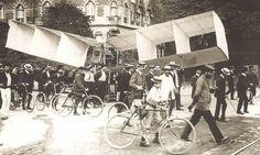 Santos Dumont é homenageado 110 anos após voo do 14-Bis - Jornal O Globo
