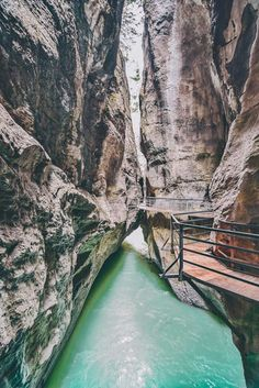 Aare Gorge Canyon Walk! If you are on the hunt for the most beautiful places in Switzerland to add your Switzerland travel itinerary, Aare Gorge should be at the top of your European bucket list! Do you agree? Find out why we think so at www.avenlylanetravel.com #switzerland #summertravel #switzerlanditinerary #europebucketlist #avenlylane #avenlylanetravel #switzerland #europebucketlist #europetravel #switzerlandtravel #summer