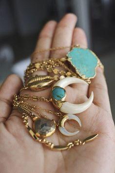 pinterest | kimly_lewis http://www.allthingsvogue.com/best-luxury-gold-bracelets/