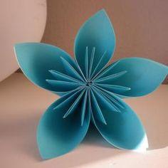 Hacer flores de papel: 14 artículos | Artes y manualidades unComo
