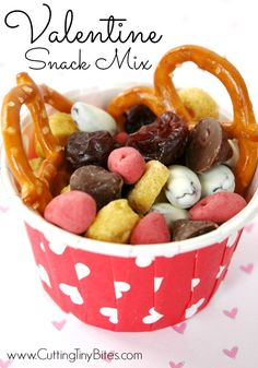Valentine Snack Mix.  Healthy choice for kids or classrooms!