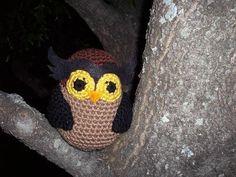 FREE Amigurumi Owl pattern...compliments of RoboTrish. Thanks, Trischa!
