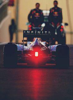 Grew up watching races. Red Bull, Ricciardo F1, Gp F1, Car Pictures, Photos, Formula 1 Car, Vintage Race Car, Fun Shots, F1 Racing