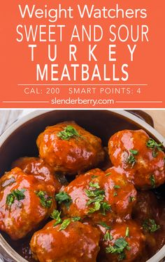 Weight Watchers Sweet and Sour Turkey Meatballs Recipe with bell pepper scallions bread crumbs egg white soy sauce sweet and sour sauce and applesauce. Low calorie and low fat Sweet And Sour Meatballs, How To Cook Meatballs, Turkey Meatballs, Cooking Meatballs, Jelly Meatballs, Low Fat Chicken Recipes, Low Fat Dinner Recipes, No Calorie Foods, Low Calorie Low Fat Recipes
