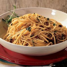 Spaghetti con Acciughe, Erbe e Limone (Anchoas, hierbas y limon)