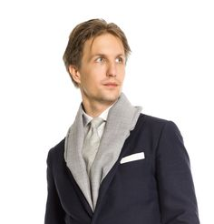 Tuukka Simonen / Herrainpukimo sporting a dark suit. Suit Fabric, Holland, Blazer, Suits, Dark, Jackets, Men, Fashion, Dutch Netherlands