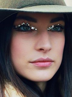 it may not be practical but we love us some glitter lashes! // #sparkle