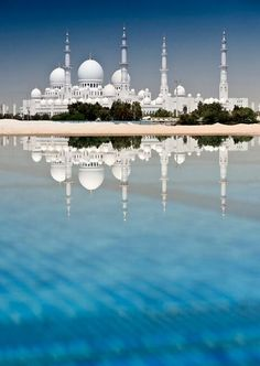 Sheikh Zayed Grand Mosque, Abu Dhabi, UAE http://travelmagma.com #travel #photography #blue
