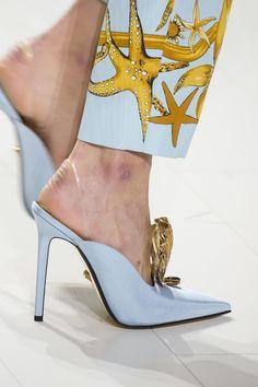 Défilé Versace Printemps-été 2018 Prêt-à-porter - Madame Figaro
