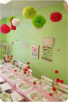 Tissue Paper Pom & Flowers