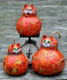 Orange Tabby Gourd Cats tip the scale! Cat Crafts, Animal Crafts, Sewing Crafts, Arts And Crafts, Decorative Gourds, Hand Painted Gourds, Gourds Birdhouse, Gourd Art, Afghan Crochet Patterns