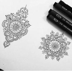 70 ideas womens tattoo ideas mandala art for 2019 Dotwork Tattoo Mandala, Tattoo Henna, Henna Art, Hand Tattoo, Henna Mandala, Future Tattoos, Love Tattoos, Beautiful Tattoos, New Tattoos