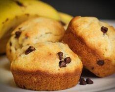 Mini muffins légers à la banane : http://www.fourchette-et-bikini.fr/recettes/recettes-minceur/mini-muffins-legers-a-la-banane.html
